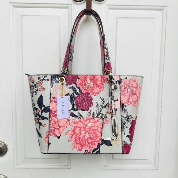Guess Bags   Kamryn Floral Tote Handbag New   Poshmark 49844d5d71